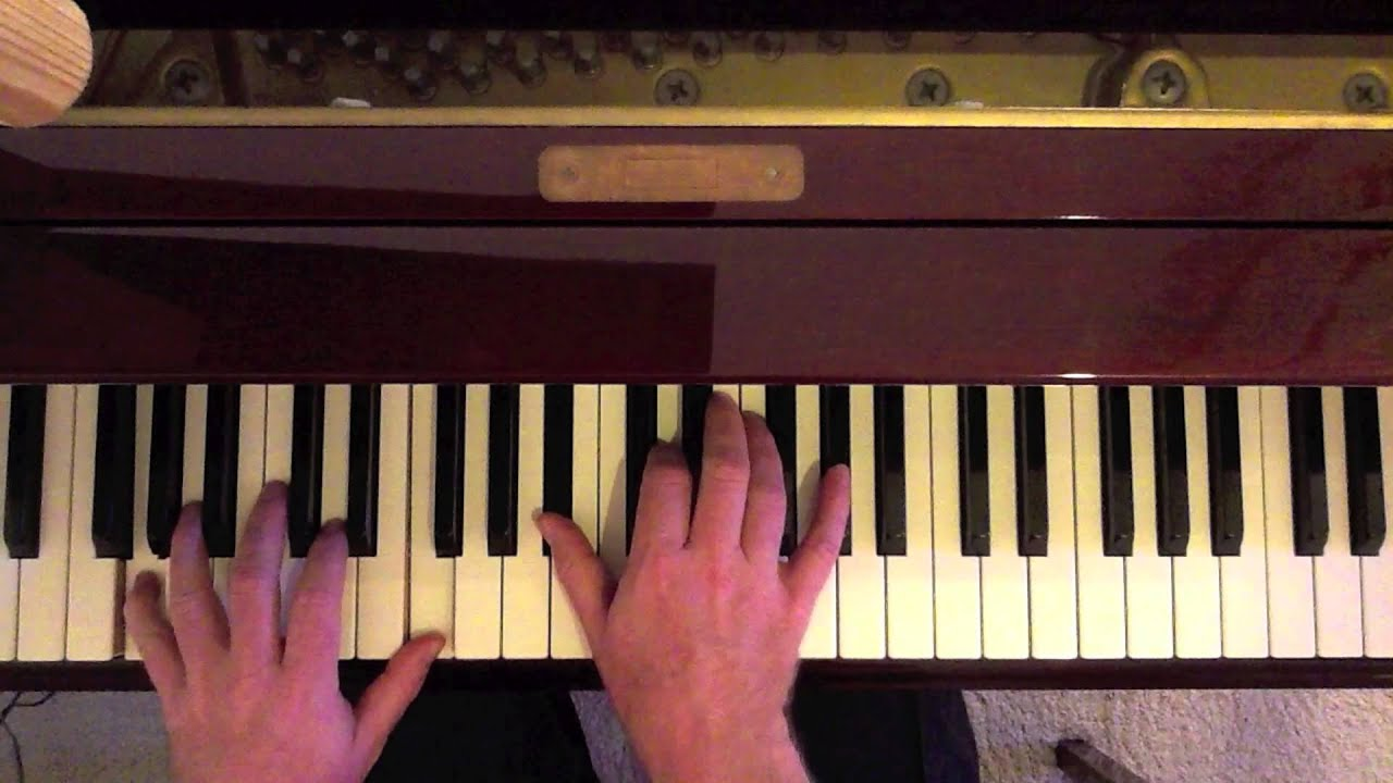 how to play christmas time is here on piano
