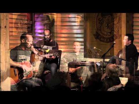Paul Thorn - 'She's Got a Crush on Me' Live