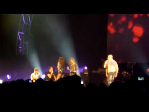 Backstreet Boys - Bigger & Set Adrift On Memory Bliss (True) @ Syd Ent Centre 6 March 2010 HD