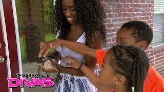 Naomi brings the petting zoo home for the kids: Total Divas: August 18, 2015 thumbnail