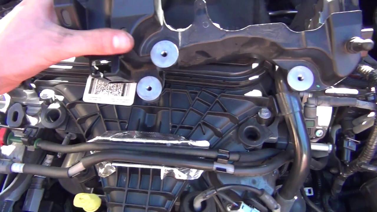 2011 focus fuel filter location
