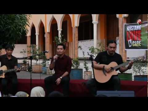 main-hati-live-acoustic-version-andra-and-the-backbone
