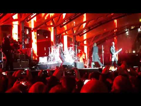 U2 - Sunday Bloody Sunday (Trafalgar Square, London 11.11.17)