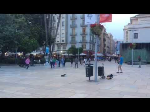 Dancing man jams with MC in Málaga historic centre (pt. 2)