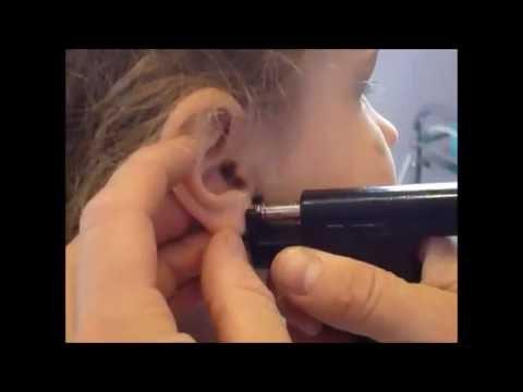 ثقب الاذن Ear Piercing Youtube