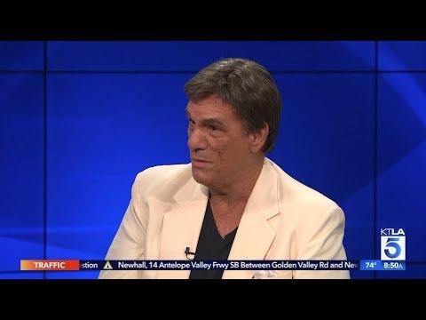 Robert Davi on How he Channels Frank Sinatra in
