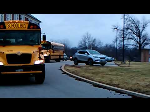 An exciting walk around on a couple more school buses bus 575 bus 5:37 bus bus518 685s548 bus 5:30
