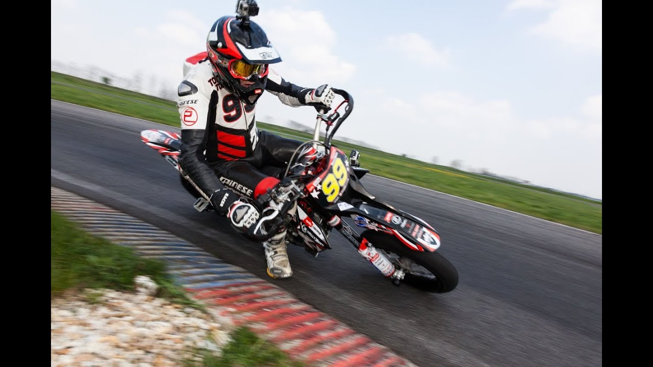 aprilia supermoto sxv 550 mxv 450 action drifts wheelies youtube. Black Bedroom Furniture Sets. Home Design Ideas