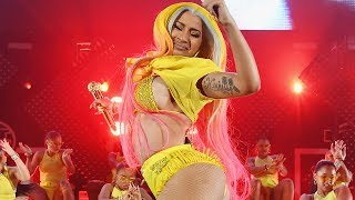 Cardi B FINALLY Returns To The Stage After Suffering Plastic Surgery Complications!