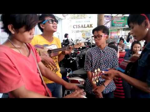 REBUTAN LANANG - PENGAMEN JALANAN ( Pasar Jatibarang )