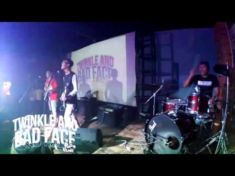 Twinkle And Bad Face - Karma (live At K2 Cafe Bandung)