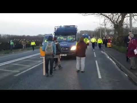 Police Aggression at Lancashire Fracking Site (from Ian R.Crane livestream) 8/3/17