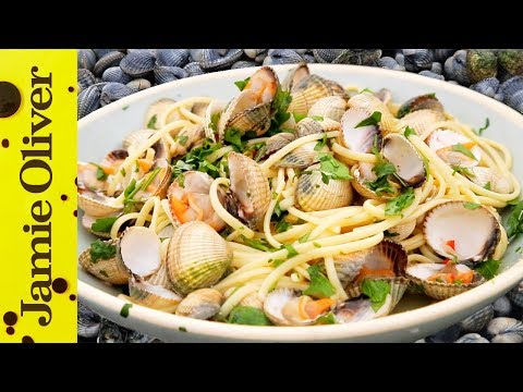 fresh-seafood-linguine-|-bart's-fish-tales
