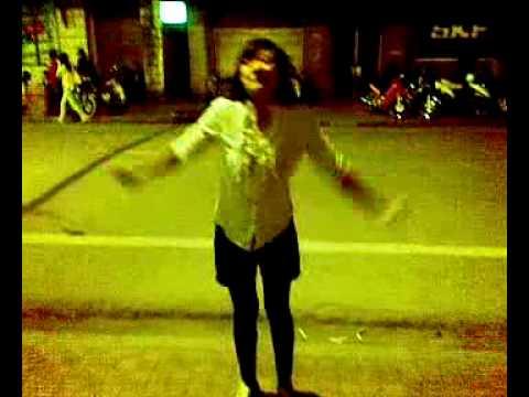 Ha puke Nhay 3 con gau dang yeu the :))