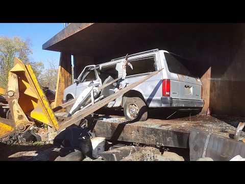 car crusher crushing cars 51