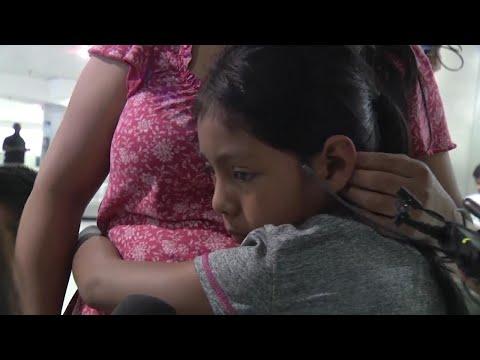 Mom of six boys reacts dramatically to finding out she's having a girlKaynak: YouTube · Süre: 32 saniye
