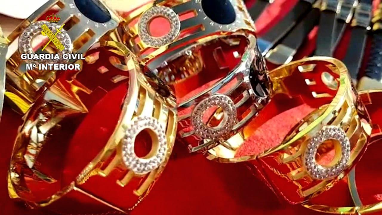 7cee6d459766 20.000 joyas falsificadas procedentes de China - YouTube