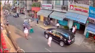 HOT : Cận cảnh camera quay lại được băng nhóm gồm 10 tên, chuyên cướp giật ở đường phố Sài Gòn