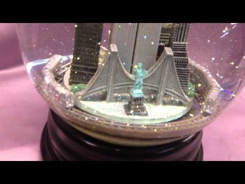 New York Twin Towers Snow Globe with Train Repair