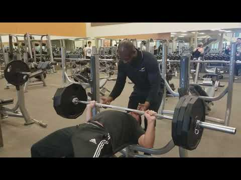 3 plates bench press! Personal best! March 3, 2018