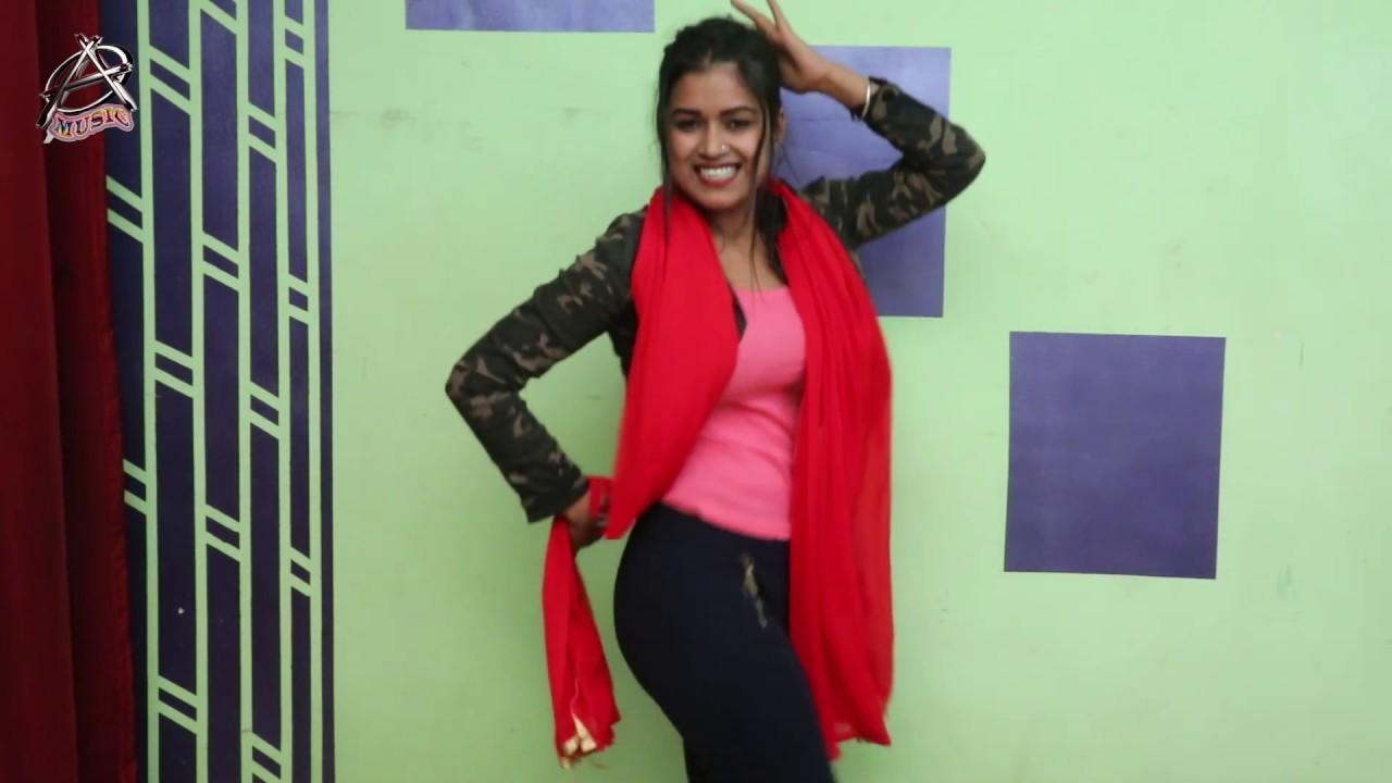 Odhani Odhle Bani | Dimpal Singh Live Dance | Khesari Lal Yadav Bhojpuri Songs 2019