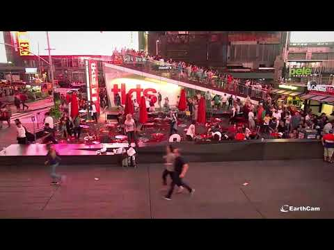 EarthCam Exclusive: Times Square Chaos From Three Angles