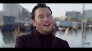 Tino Martin - Zij weet het (officiële videoclip)