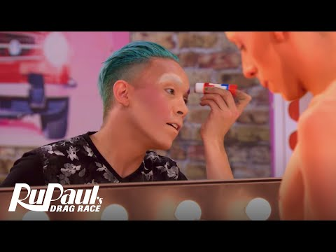 Phi Phi O'Hara on Being Dragged by Social Media | RuPaul's D