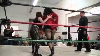 LUCHA PRO 8/25/13 Mariah Moreno vs Jezabeth