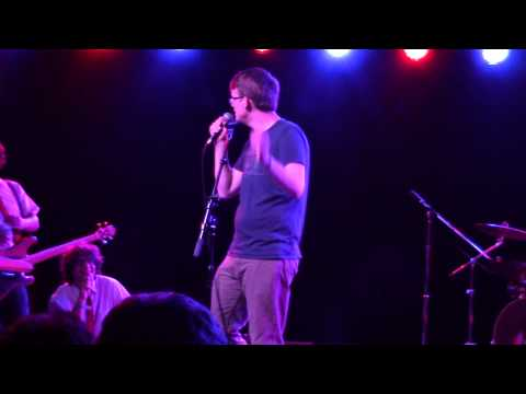 Hank Green & the Perfect Strangers T-SHIRT AND JEANS Live in Pomona