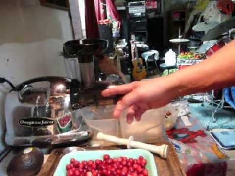 How To Make Fresh Homemade Cranberry Juice.