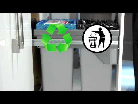Richelieu Kitchen Showcase 2- Euro-Cargo wastebin with Soft-Motion