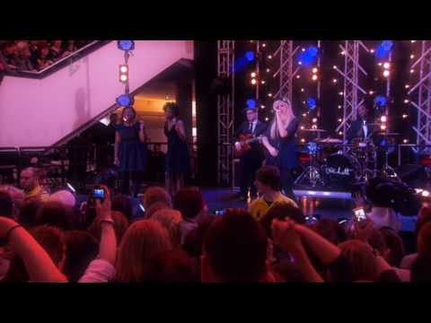 Pixie Lott  Cry Me Out  at The Outside In Festival