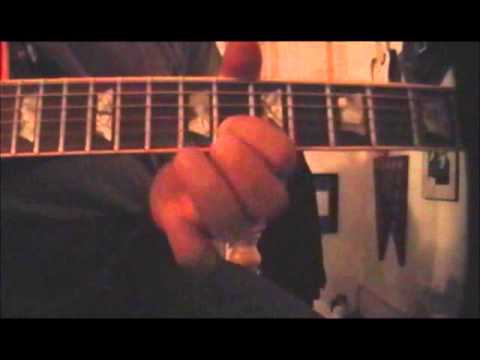 Simple guitar lead technique using only 4 notes. For lessons in the NYC area, please contact me at tomroberto@verizon.net