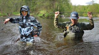 Рыбалка по самые ПОМИДОРЫ в воде Болотные сапоги против Вейдерсов Сколько рыбы в этом ручье