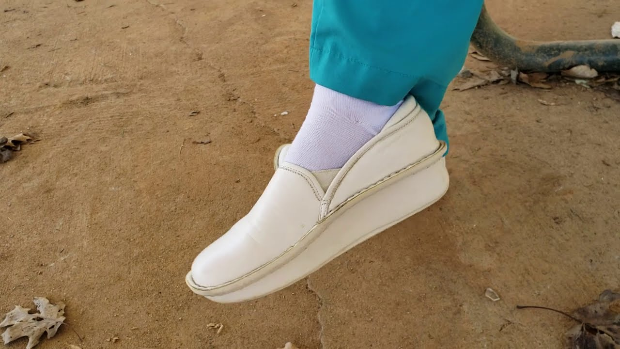 Preview: 6 pairs of nursing shoes