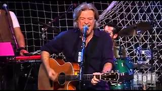 "Hall and Oates - ""Out of Touch"" - Live at the Troubadour 2008"