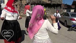 köy kızları süper oynuyorlar