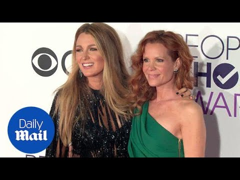 Sisterly love! Blake & Robyn Lively rock People's Choice Awards  Daily Mail