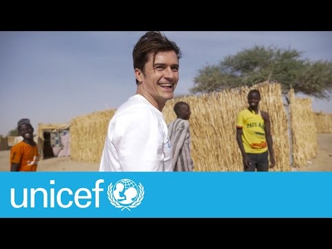 Orlando Bloom meets children displaced by Boko Haram in Niger I UNICEF