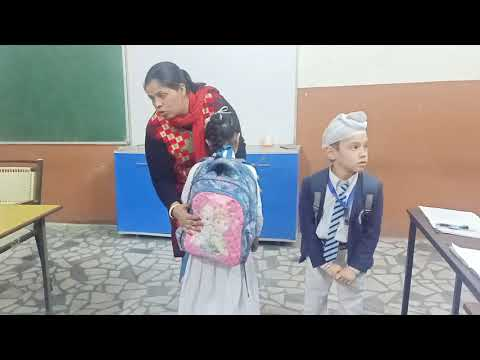Right Way to Carry School Bag