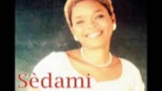 Sèdami rend hommage au Roi Stan Tohon dans AHOUAMATCHIZO