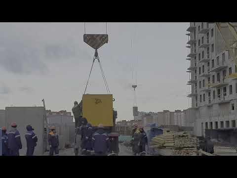 Старый советский башенный кран КБ-503 который смог.Монтаж генератора почти на пределе.