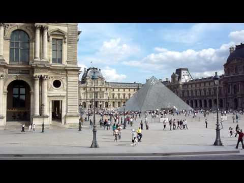 Louvre Palace, Pyramid, Museum & Gallery / Palais du Louvre, Paris