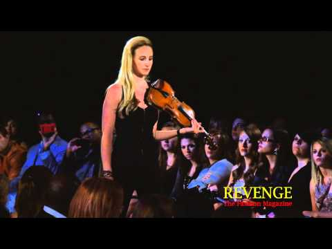 Couture Fashion Week NY Spring 2011   Jane Hunt, Violinist