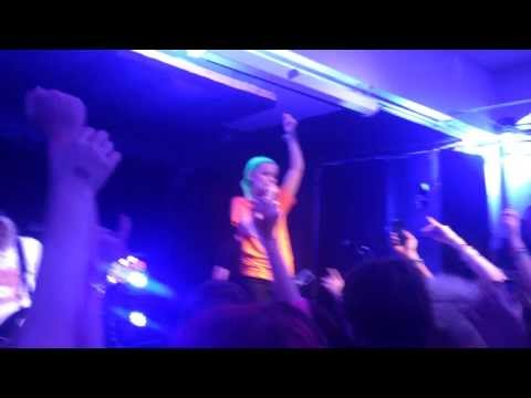 Tonight Alive - Amelia (Live)