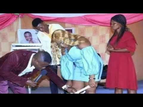 Pastor le pide a sus fieles se quiten los calzónes para que les entre el espíritu Santo