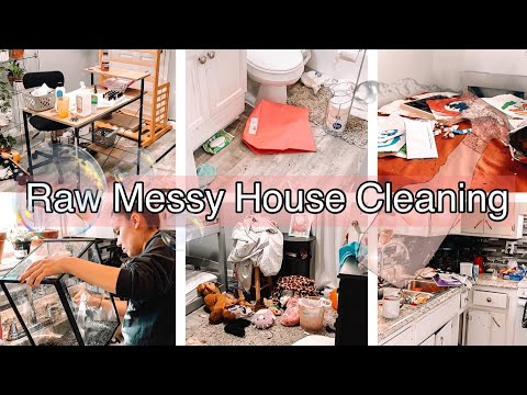 MESSY HOUSE CLEAN WITH ME 2020 | Clean With Me | Cleaning Motivation  | MOVING NEXT WEEK