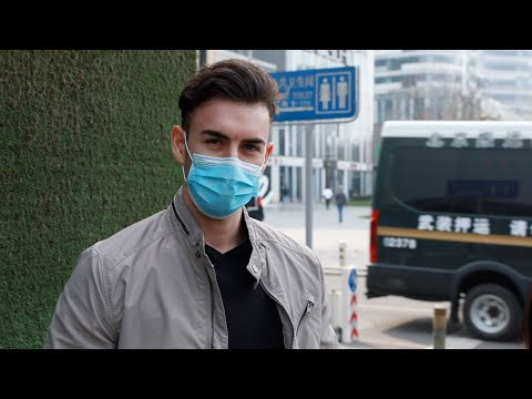 Interview with foreigners who've stayed in China during outbreak