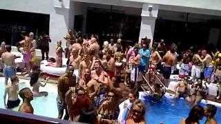 DJ COLIN FRANCIS AT UNIQUE PARTIES TOWIE MARBELLA 2011 SISU POOL PARTY